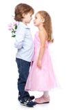 Petit garçon et fille dans l'amour Photo stock