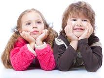 Petit garçon et fille dans l'amour Images libres de droits