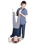 Petit garçon et fille de Funne d'isolement sur le blanc Photos libres de droits