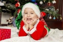 Petit garçon habillé comme gnome Photographie stock