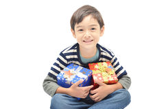 Petit garçon heureux avec le boîte-cadeau Image libre de droits