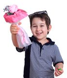 Petit garçon mignon avec un bouquet des fleurs Petit monsieur avec Image stock