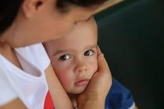 Petit garçon de mamans Photographie stock