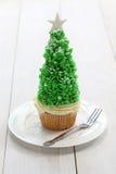 Petit gâteau d'arbre de Noël Photographie stock libre de droits