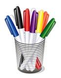 Petit-inclinez les crayons lecteurs de repère dans une cuvette (JPG+EPS) illustration stock