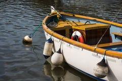 Petit, ouvert bateau de pêche Photographie stock libre de droits