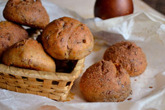 Petit pain avec des graines de lin Photos libres de droits