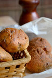 Petit pain avec des graines de lin Photos stock