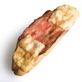 Petit pain avec le lard et le fromage Photo stock