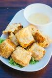 Petit pain cuit à la friteuse de crabe Images libres de droits