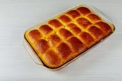 Petit pain cuit au four par bonbon fait maison avec honeyberry Photographie stock
