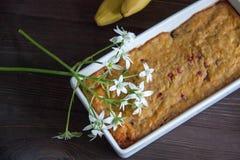 Petit pain de banane et de carotte Photographie stock