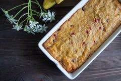 Petit pain de banane et de carotte Image stock
