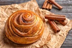 Petit pain de cannelle doux photos libres de droits