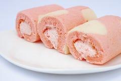 Petit pain de crème de fraise image stock