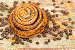 Petit pain de petits pains de cannelle images stock