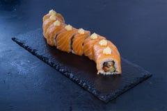 Petit pain de sushi avec Nourriture japonaise 10 Image libre de droits