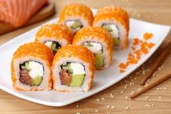 Petit pain de sushi de Philadelphie avec des saumons, avocat Photographie stock