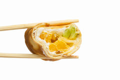 Petit pain de sushi doux d'isolement sur le fond blanc photos libres de droits