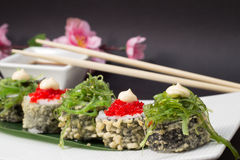 Petit pain de sushi en tempura Images stock