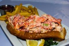 Petit pain et fritures de homard pour le déjeuner Photo libre de droits