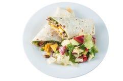 Petit pain ou tornade indien de paneer avec de la salade en chapati Photo libre de droits