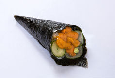 Petit pain Temaki de main d'oursin Photos stock