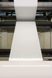 Petit pain vide blanc en plastique Proc d'impression d'industrie de Flexo d'alimentation d'impression image libre de droits