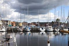 Petit port dans l'été Images stock