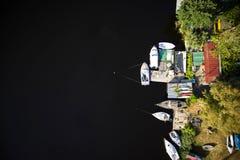 Petit port sur le lac Photographie stock libre de droits