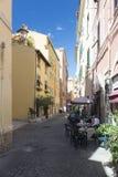 Petit restaurant dans Civitavecchia, Italie Photos libres de droits