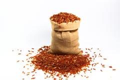 Petit sac de riz rouge Images libres de droits