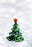 Petit sapin de jouet de Noël Image stock