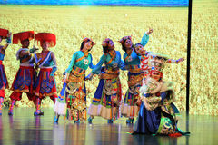 Petit soeur-grand  tibétain de show†de scénarios d'échelle le  de legend†de route Image libre de droits