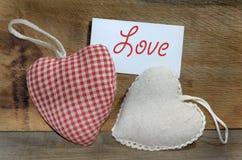 Petit tissu en forme de coeur de coussin Photographie stock libre de droits