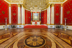 Petit trône Hall du palais d'hiver, StPetersburg Images stock