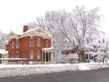 Petit village dans l'hiver Photo stock
