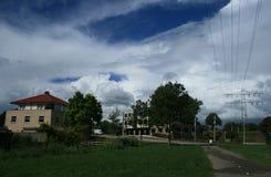 Petit village dans le pays photos stock