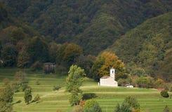 Petite église blanche, Ticino, Suisse photographie stock libre de droits