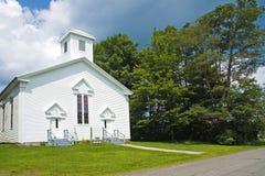 Petite église de pays de la Nouvelle Angleterre Photographie stock libre de droits