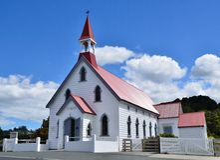 Petite église rurale images libres de droits