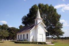 Petite église rurale dans le Texas Images libres de droits