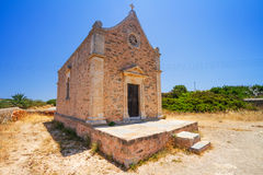 Petite église traditionnelle sur Crète Image libre de droits