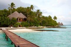 Petite île dans l'océan. Image libre de droits