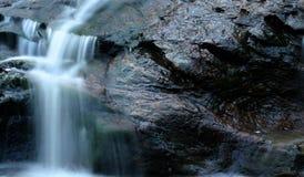 Petite cascade à écriture ligne par ligne Image stock