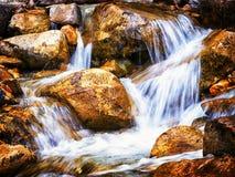 Petite cascade photographie stock libre de droits