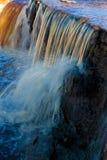 Petite cascade à écriture ligne par ligne Photo stock