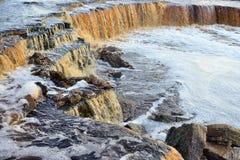Petite cascade sur la rivière de Tosna Photo stock