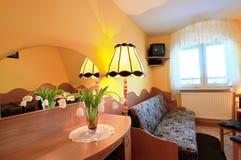 Petite chambre d'hôtel photos stock