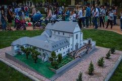 Petite copie d'église catholique romaine dans Vinnytsya image libre de droits